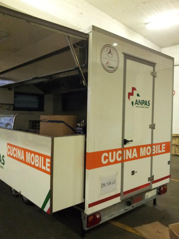 Anpas raccolti euro per l 39 allestimento della cucina - Mobile per la cucina ...