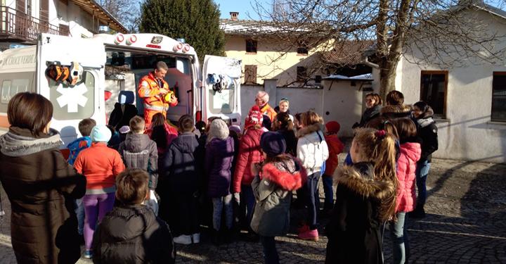 Visita-ambulanza-Croce-Verde-Bagnolo1